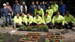 札幌駅前通り花壇の植栽